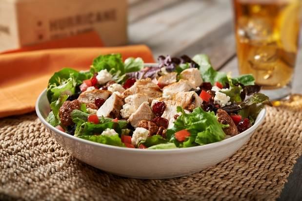 Hurricane Grill & Wings | restaurant | 127 E Montauk Hwy, Lindenhurst, NY 11757, USA | 6312259464 OR +1 631-225-9464