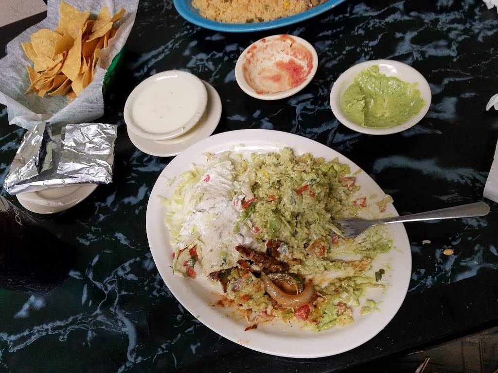 Cazadores Grill | restaurant | 1713-1741 21st St, Haleyville, AL 35565, USA | 2054862108 OR +1 205-486-2108
