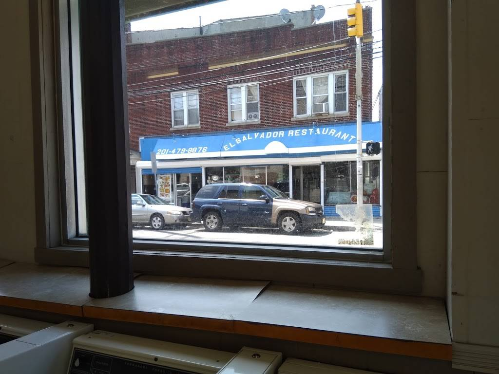 El Salvador Restaurant | restaurant | 497 Mercer St, Jersey City, NJ 07306, USA | 2014798876 OR +1 201-479-8876