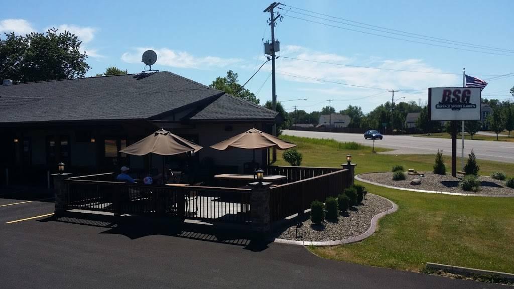Buffalo Sports Garden Restaurant 2945 Southwestern Blvd Orchard Park Ny 14127 Usa