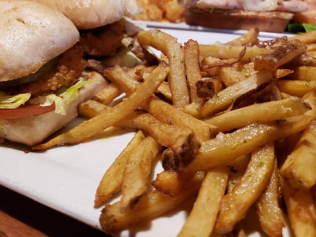Diamonds Restaurant and Bar | restaurant | 16525 W 159th St, Lockport, IL 60441, USA | 8158386605 OR +1 815-838-6605