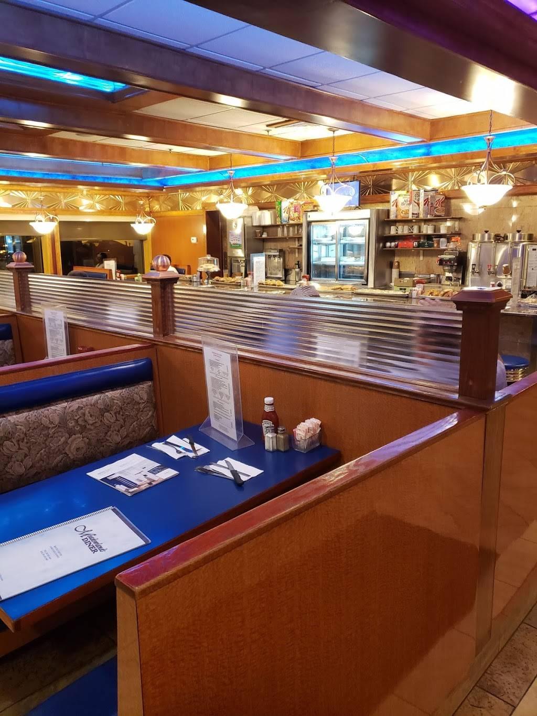 Meadowlands Diner | restaurant | 320 NJ-17, Carlstadt, NJ 07072, USA | 2019355444 OR +1 201-935-5444