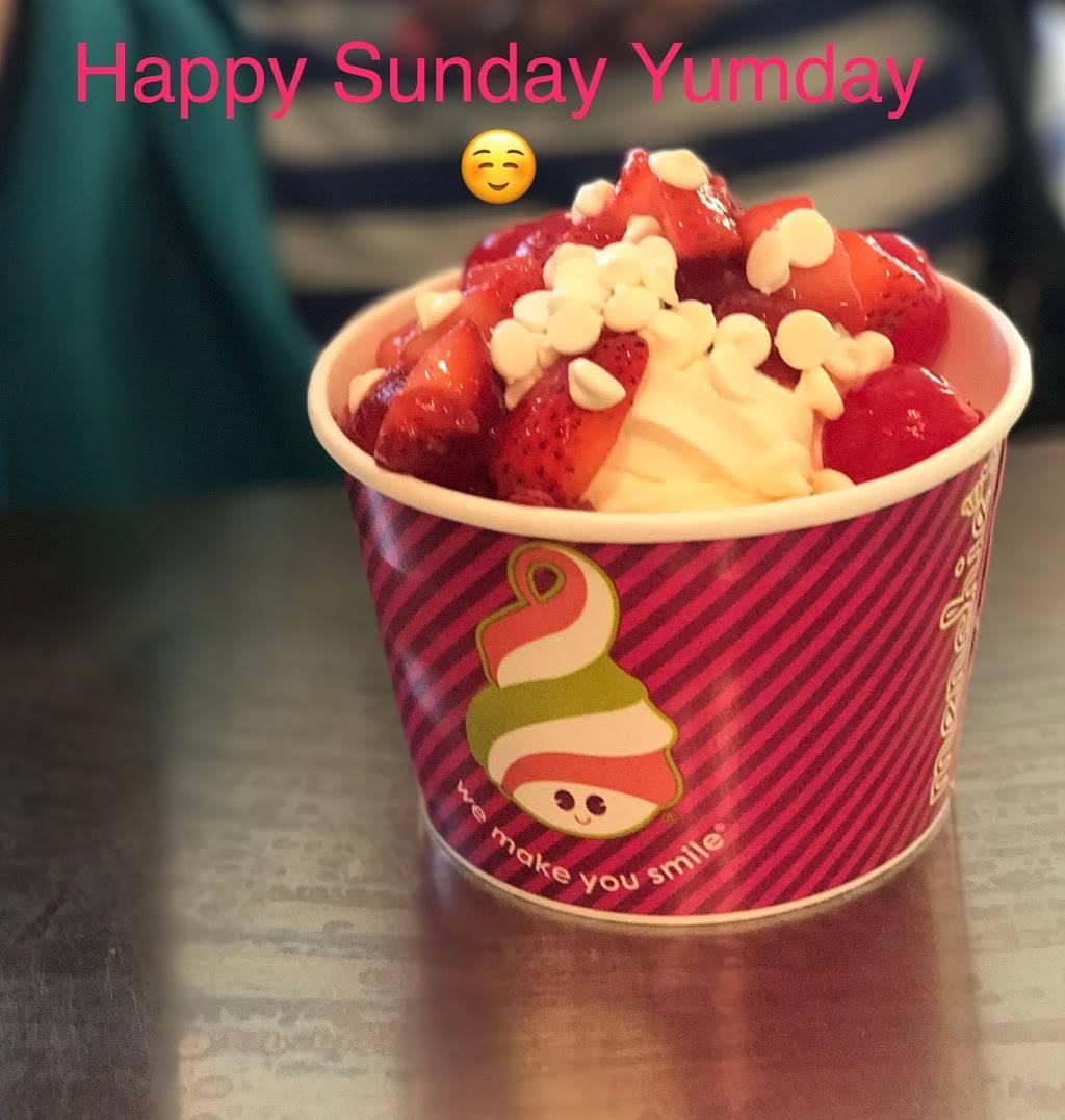 Menchies Frozen Yogurt | bakery | 251 N Brand Blvd, Glendale, CA 91203, USA | 8186491152 OR +1 818-649-1152