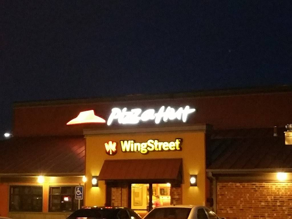 Pizza Hut | meal delivery | 619 E Main St, Gardner, KS 66030, USA | 9138846116 OR +1 913-884-6116