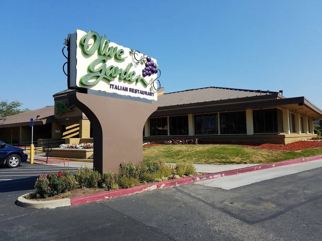 Olive Garden Italian Restaurant | meal takeaway | 940 Blossom Hill Rd, San Jose, CA 95123, USA | 4082251420 OR +1 408-225-1420