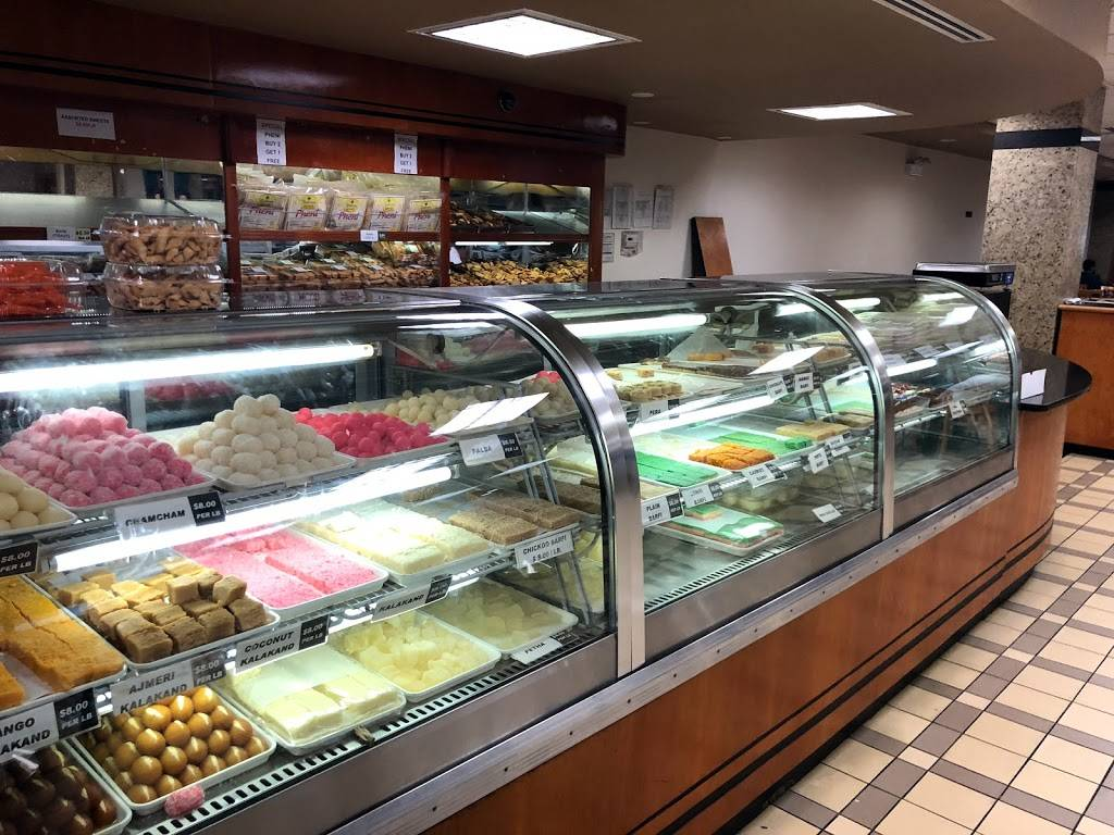 Tahoora Sweets & Bakery | bakery | 2345 W Devon Ave, Chicago, IL 60659, USA | 7737437272 OR +1 773-743-7272