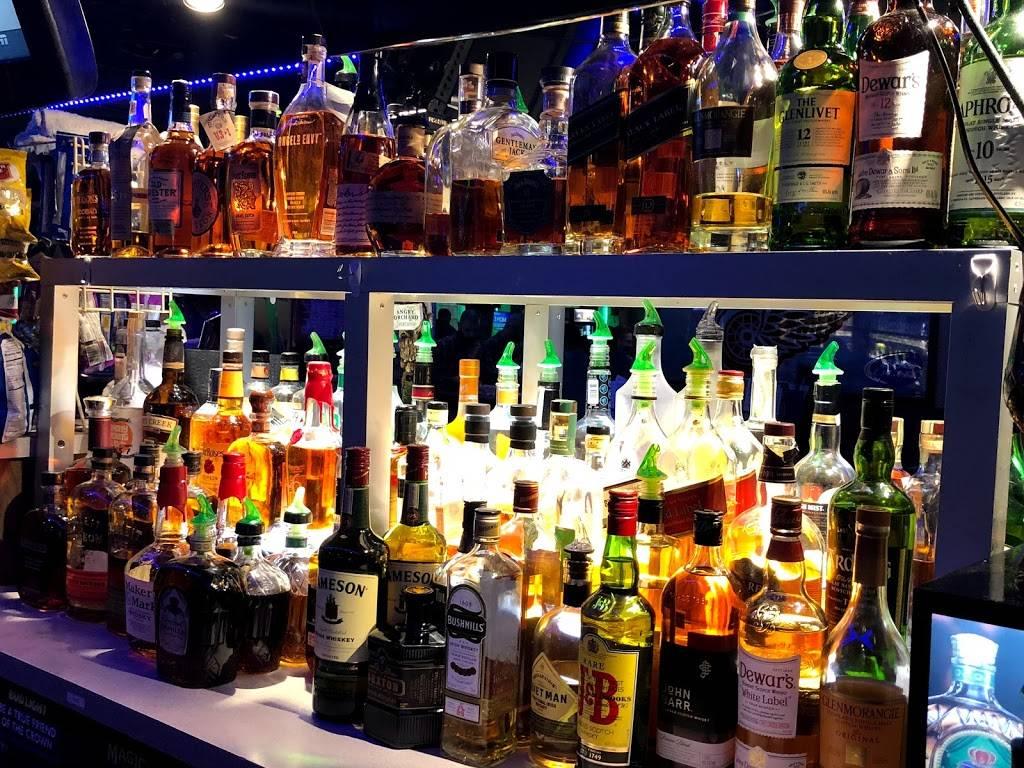 3 Nicks Scoreboard | restaurant | 18713 Van Born Rd, Allen Park, MI 48101, USA | 3135638349 OR +1 313-563-8349