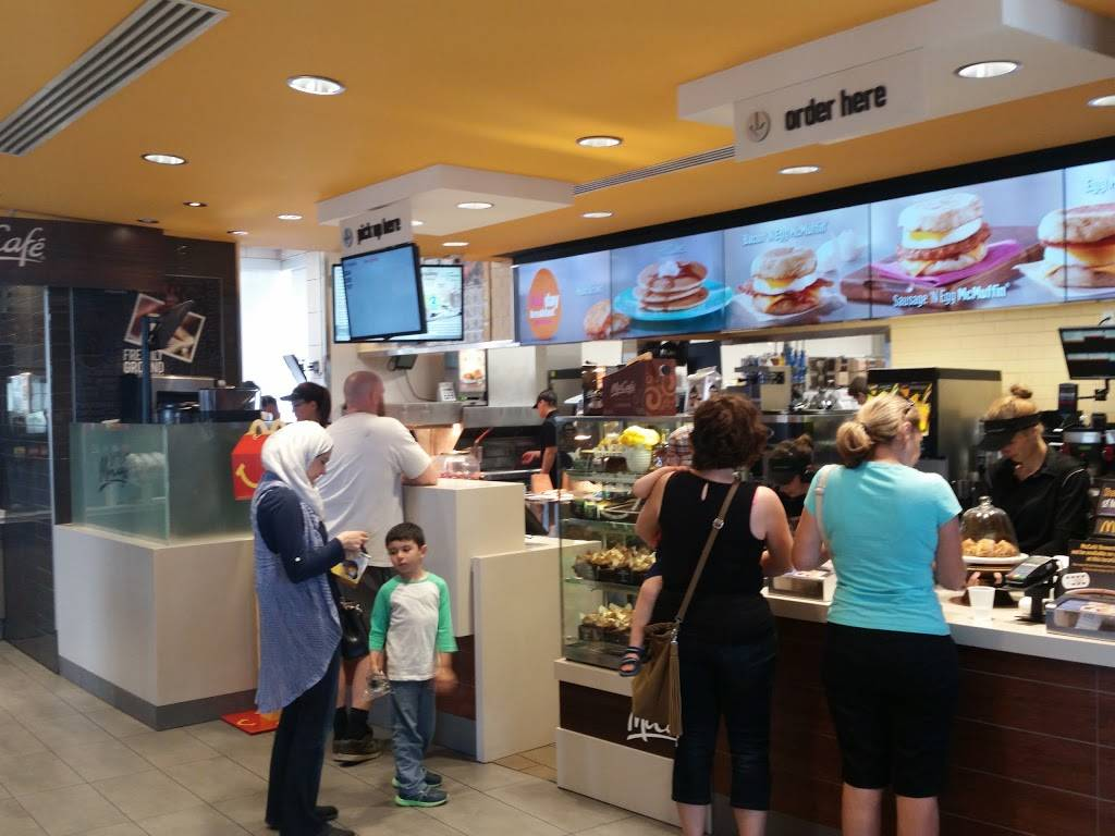 McDonalds | cafe | 416 Hespeler Rd, Cambridge, ON N1R 6J6, Canada | 5196215000 OR +1 519-621-5000
