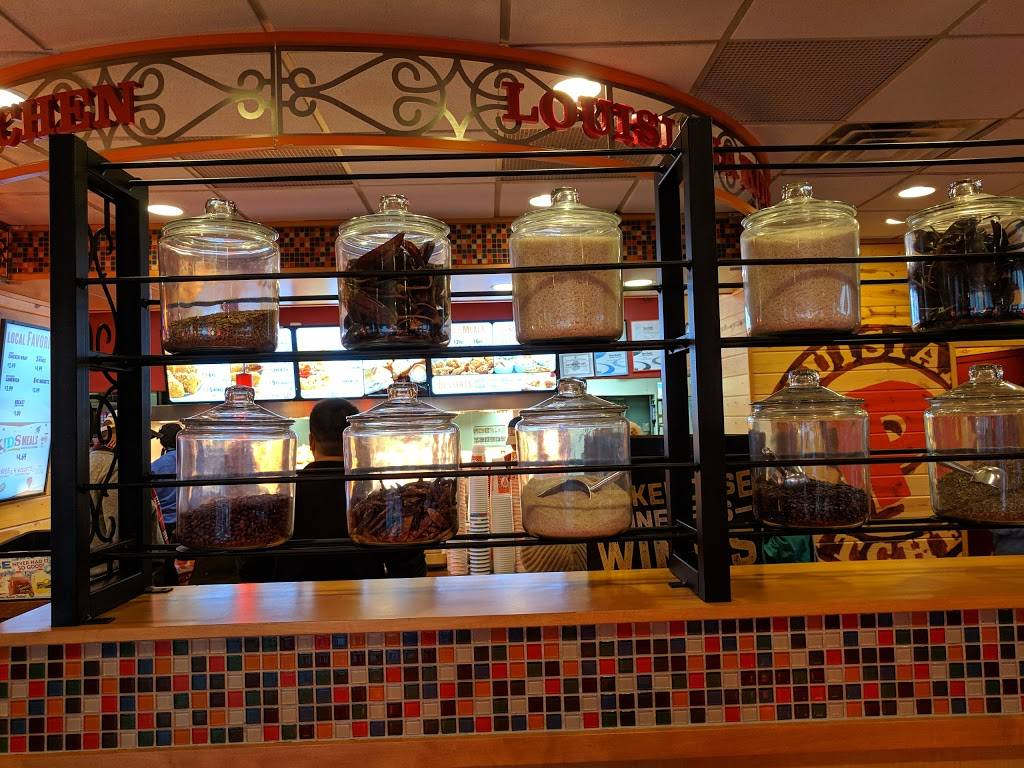 Popeyes Louisiana Kitchen | restaurant | 104 Meadow Rd, Rutherford, NJ 07070, USA | 2014609850 OR +1 201-460-9850