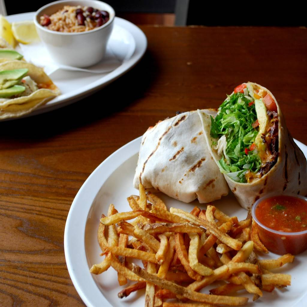 Firehouse Grill | restaurant | 750 Chicago Ave, Evanston, IL 60202, USA | 8477331911 OR +1 847-733-1911
