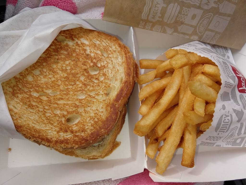 Jack in the Box | restaurant | 3909 Mission Ave, Oceanside, CA 92054, USA | 7604399852 OR +1 760-439-9852