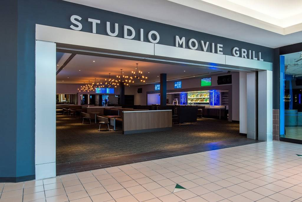 Studio Movie Grill Tampa | restaurant | University Mall, 12332 University Mall Ct, Tampa, FL 33612, USA | 8132413800 OR +1 813-241-3800