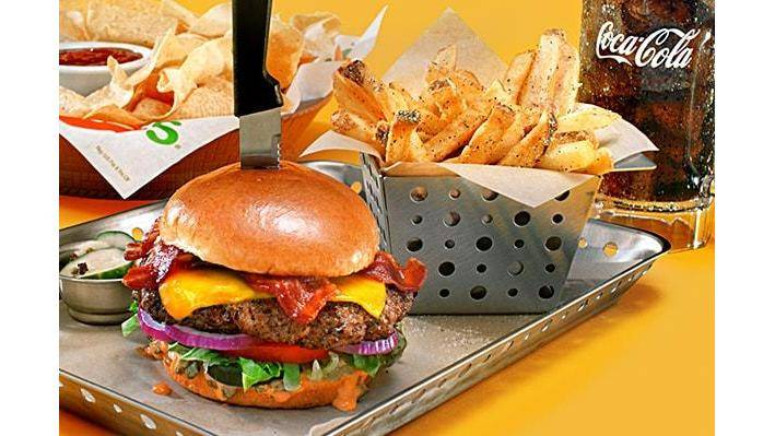 Chilis Grill & Bar   meal takeaway   9600 US-19, Port Richey, FL 34668, USA   7278454929 OR +1 727-845-4929