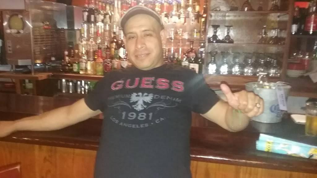 El Guanaco | restaurant | 4195 Broadway, New York, NY 10033, USA | 2127955400 OR +1 212-795-5400