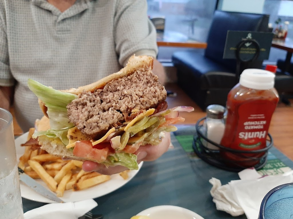 B&B seafood | restaurant | 2302 Crawfordville Hwy, Crawfordville, FL 32327, USA | 8507456598 OR +1 850-745-6598