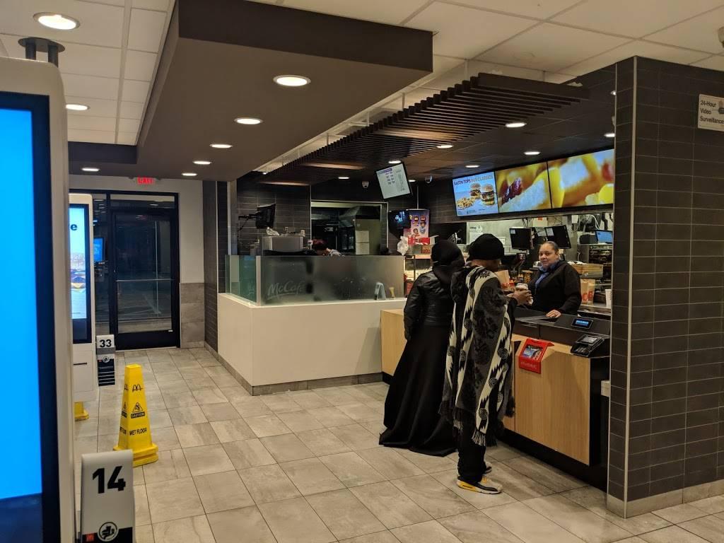 McDonalds | cafe | 101 S 52nd St, Philadelphia, PA 19139, USA | 2157486800 OR +1 215-748-6800