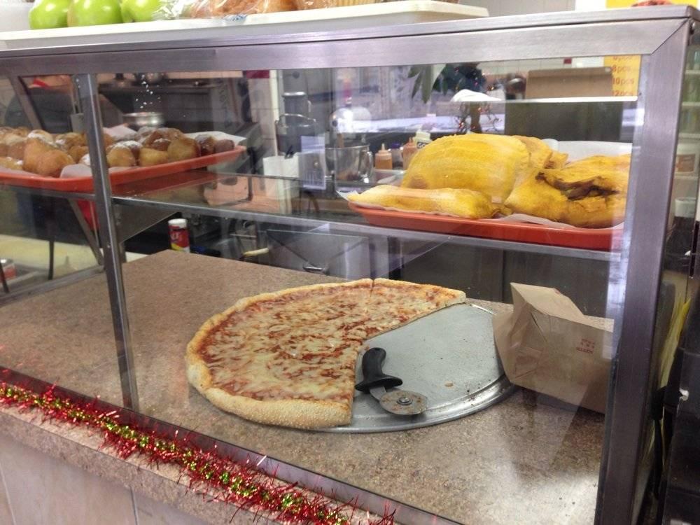 Johnnys Pizza Diner   restaurant   535 E 180th St, Bronx, NY 10457, USA   7183656565 OR +1 718-365-6565