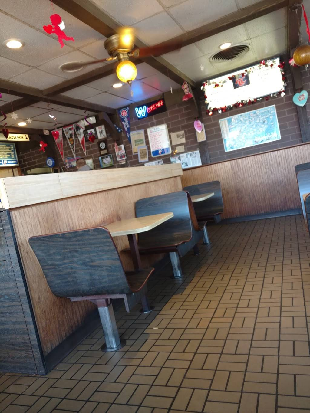 Mickeys Drive-In | restaurant | 105 St Charles Rd, Villa Park, IL 60181, USA | 6305308160 OR +1 630-530-8160