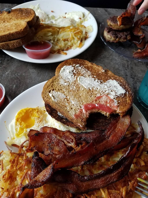 Keys Cafe & Bakery | cafe | 1682 Lexington Ave N, Roseville, MN 55113, USA | 6514875397 OR +1 651-487-5397