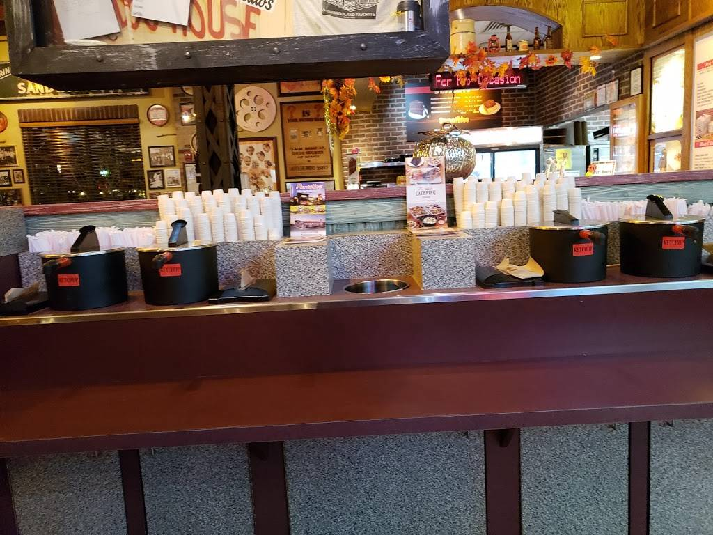 Portillos Hot Dogs | meal takeaway | 9400 Skokie Blvd, Skokie, IL 60077, USA | 8479330700 OR +1 847-933-0700