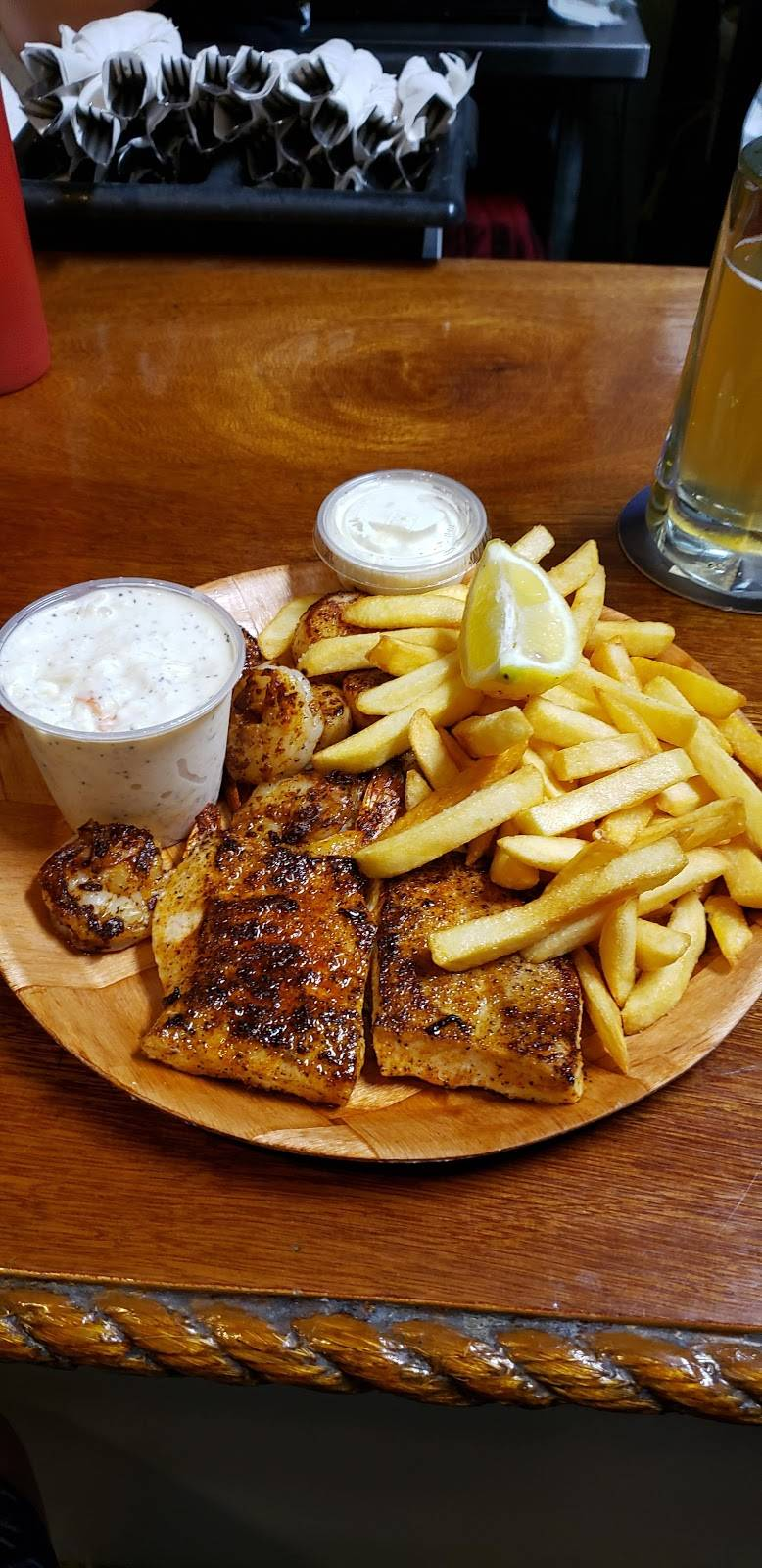 Fish Shack | restaurant | 2460 N Federal Hwy, Lighthouse Point, FL 33064, USA | 9545864105 OR +1 954-586-4105