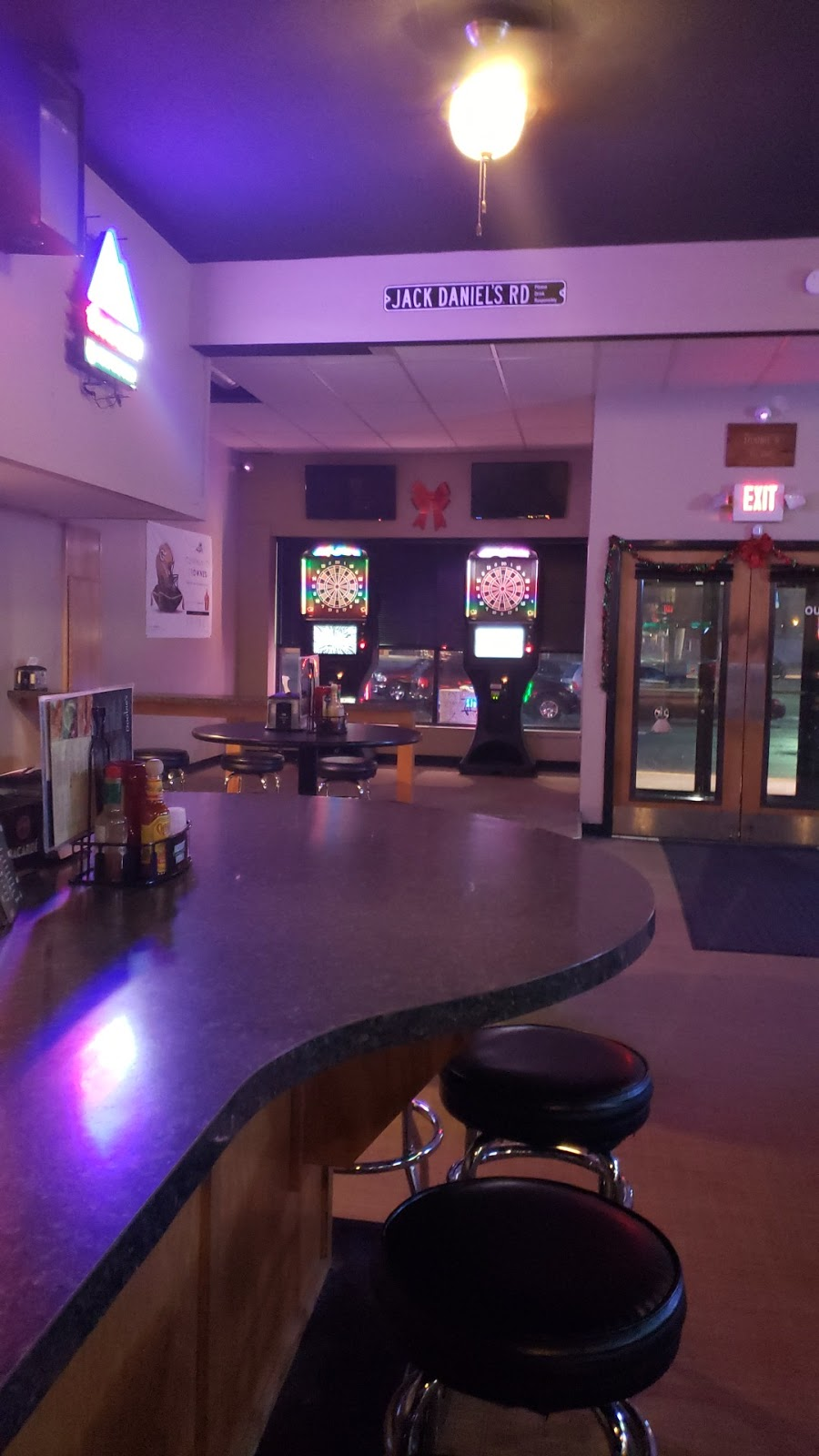 Doobies Beer Joint | restaurant | 3701 Durand Ave, Racine, WI 53405, USA | 2628003343 OR +1 262-800-3343