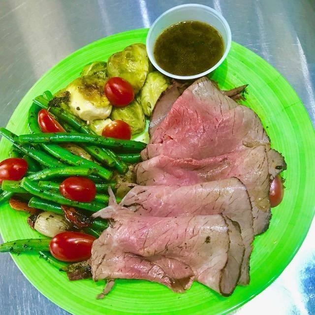Pastrami Plaza | restaurant | 25 - 07 Queens Plaza N, Long Island City, NY 11101, USA | 7187861111 OR +1 718-786-1111