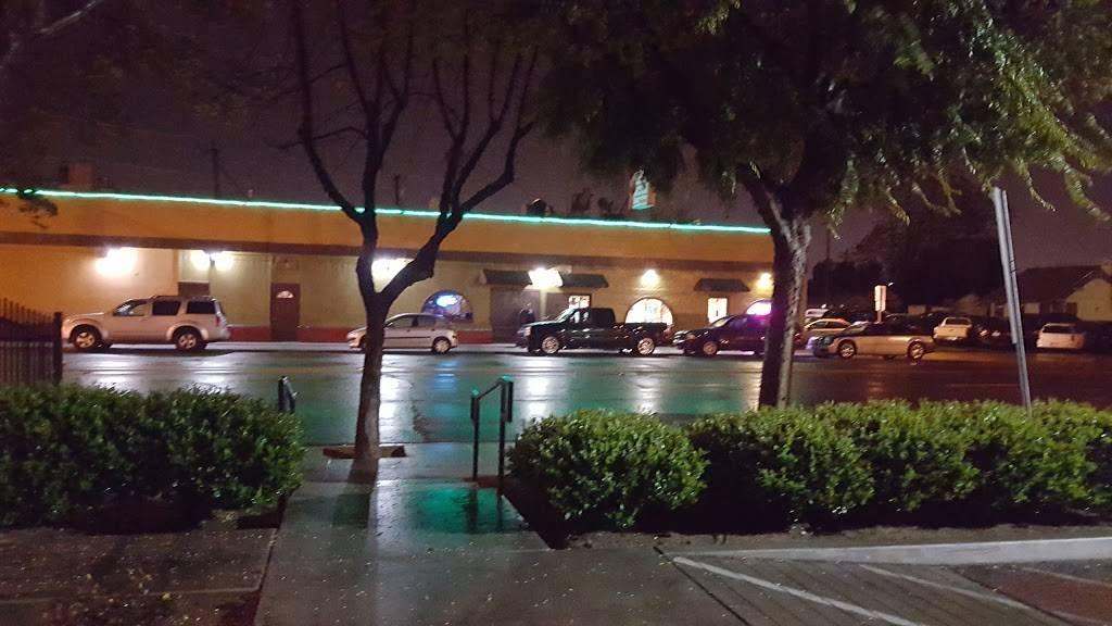 Marlos Club   night club   468 N Palm Ave, Fresno, CA 93701, USA   5592315797 OR +1 559-231-5797