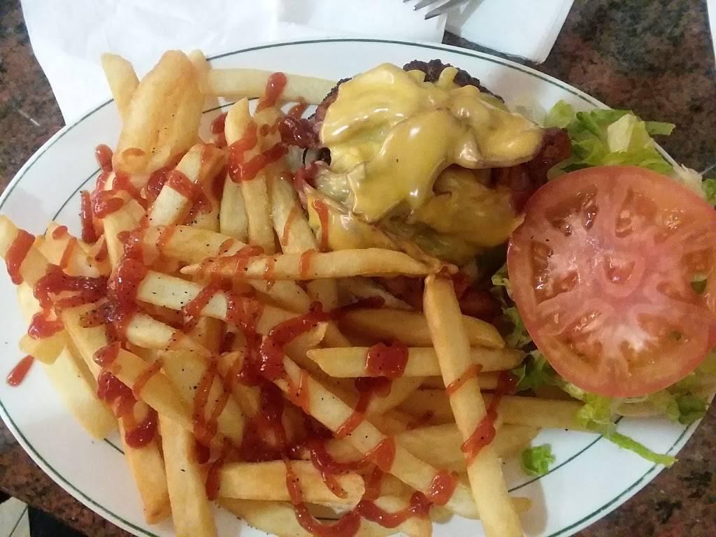 Jimbos Hamburger Palace | restaurant | 1977 Jerome Ave, Bronx, NY 10453, USA | 7185637187 OR +1 718-563-7187