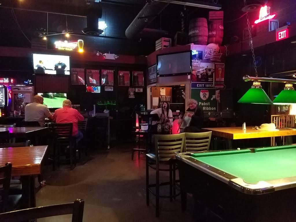 Connollys Sports Grill | night club | 2605 W Carefree Hwy, Phoenix, AZ 85085, USA | 6238795997 OR +1 623-879-5997