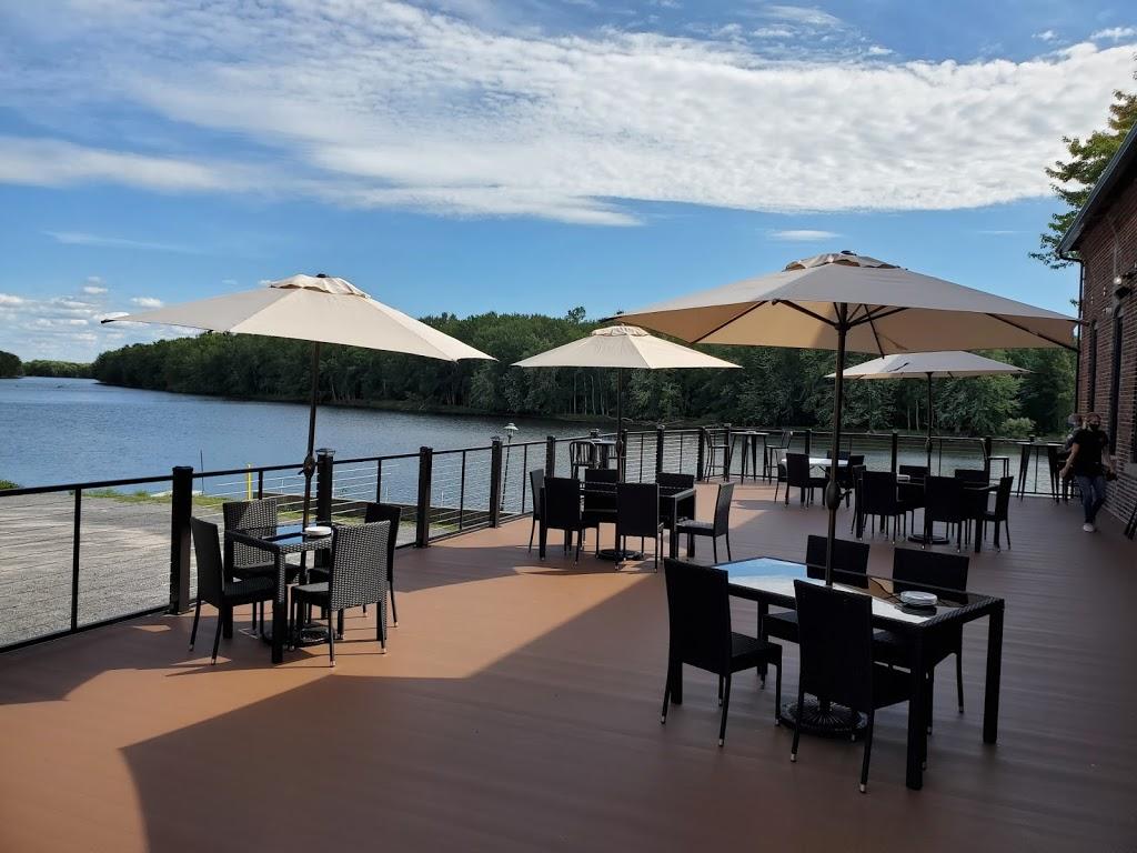Zero Dock Street Restaurant & Bar | restaurant | 130 Canal St, Carthage, NY 13619, USA | 3155549376 OR +1 315-554-9376