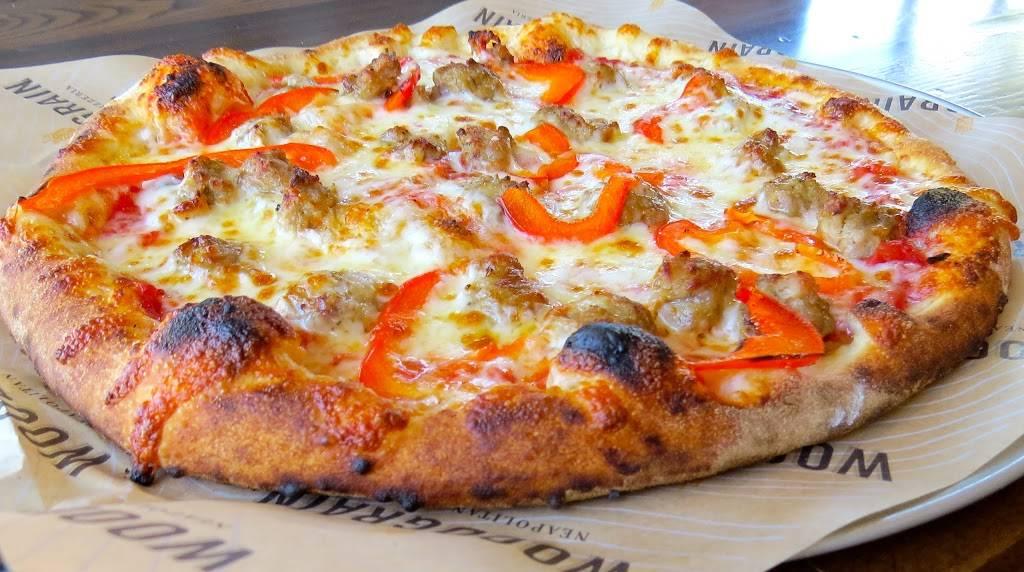 Woodgrain Pizzeria | restaurant | 860 E Boughton Rd, Bolingbrook, IL 60440, USA | 6307839101 OR +1 630-783-9101