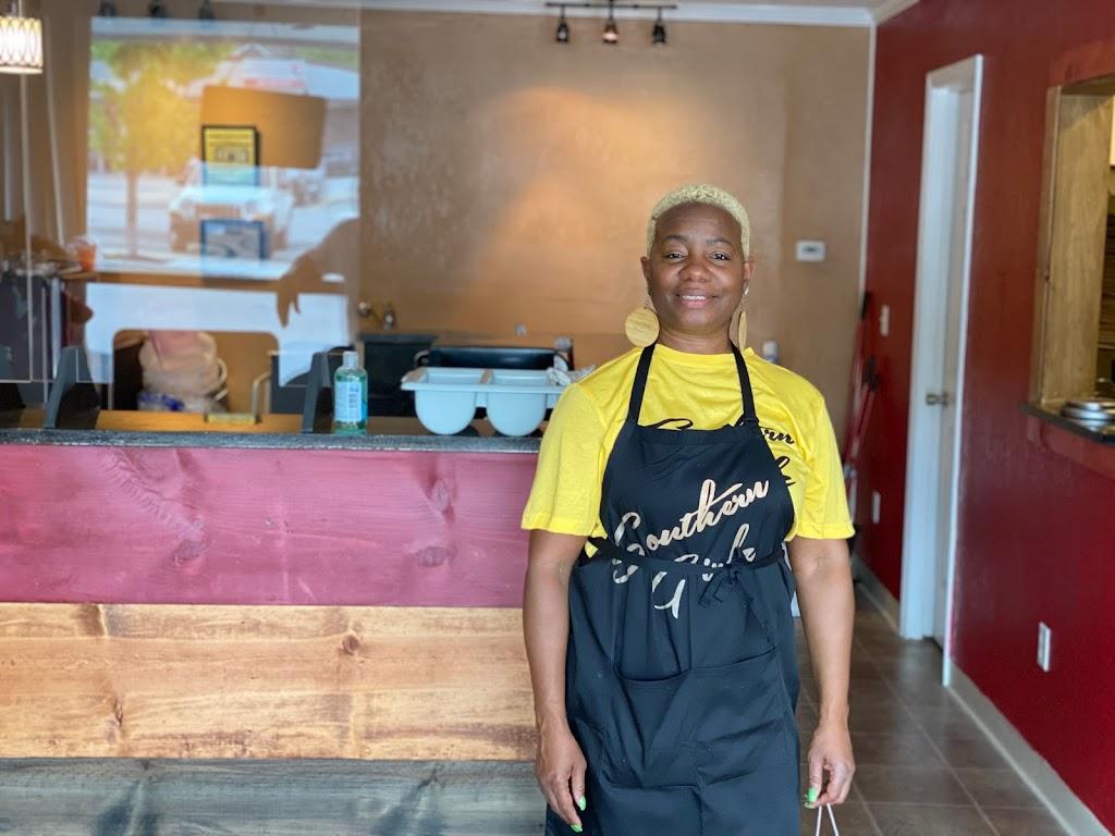 Southern Girlz Eatery | restaurant | 119 Oak St, Bonner Springs, KS 66012, USA | 9133685712 OR +1 913-368-5712