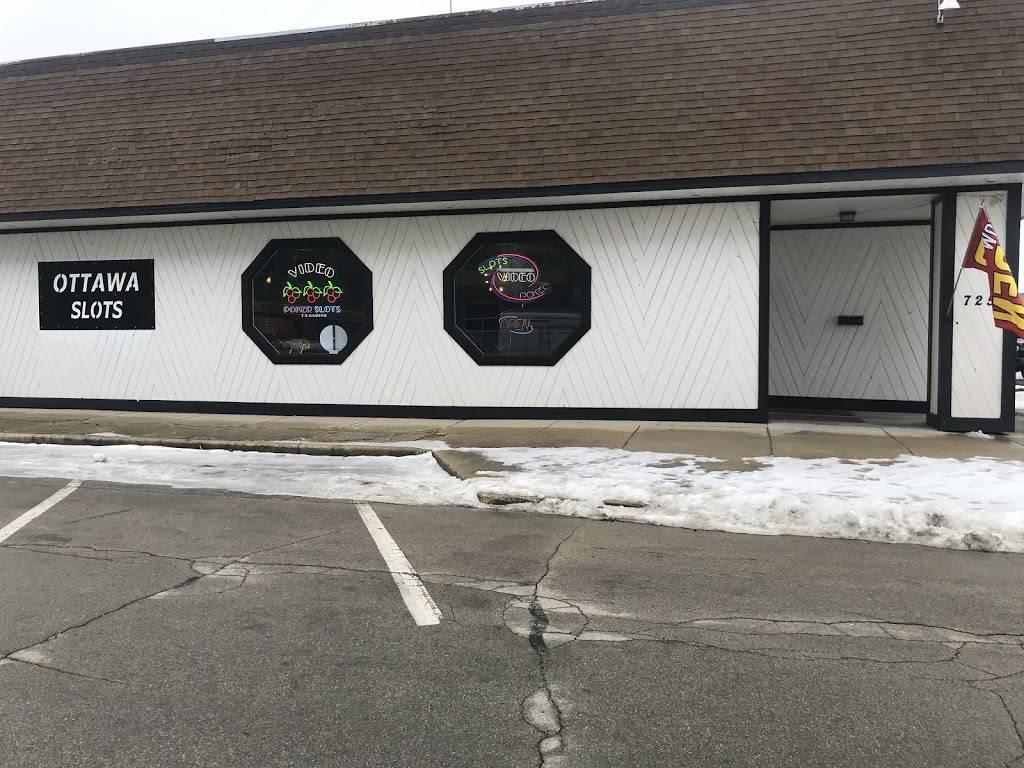 Ottawa Slots | restaurant | 725 Fulton St, Ottawa, IL 61350, USA | 8153135945 OR +1 815-313-5945