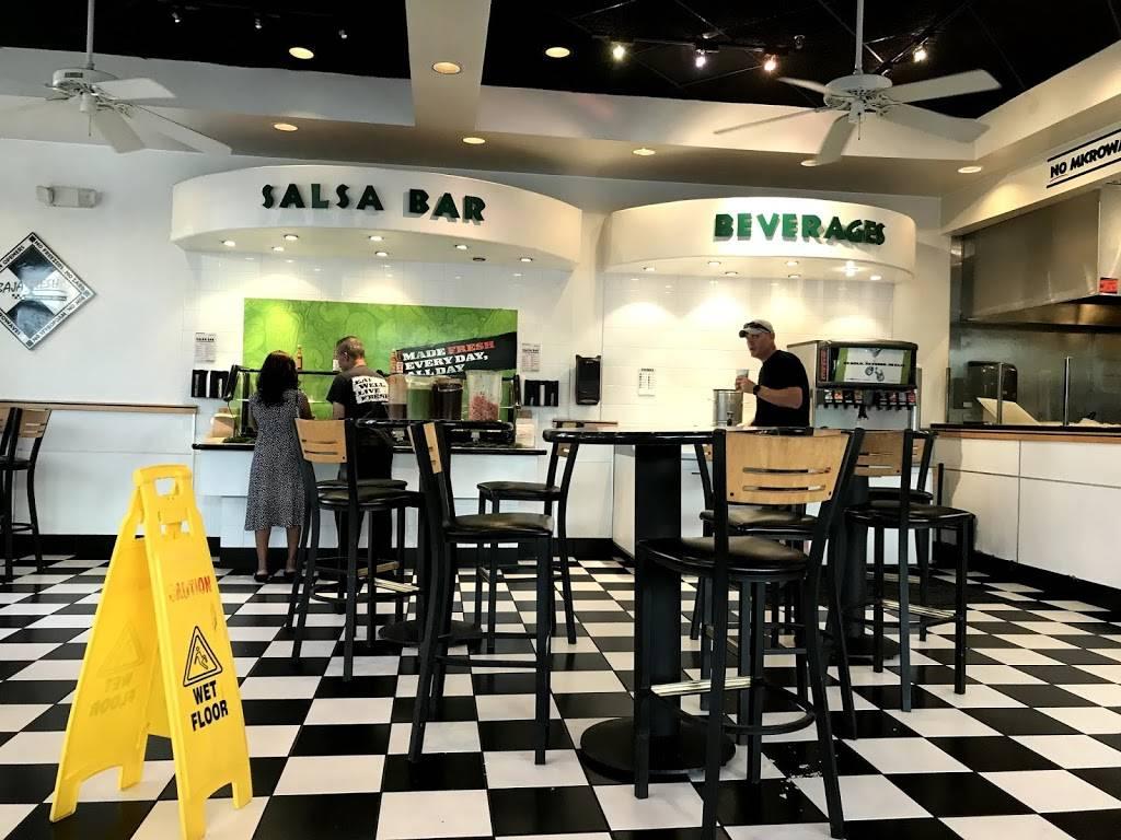 Baja Fresh Mexican Grill | restaurant | 12150 Fairfax Towne Center, Fairfax, VA 22033, USA | 7033521792 OR +1 703-352-1792