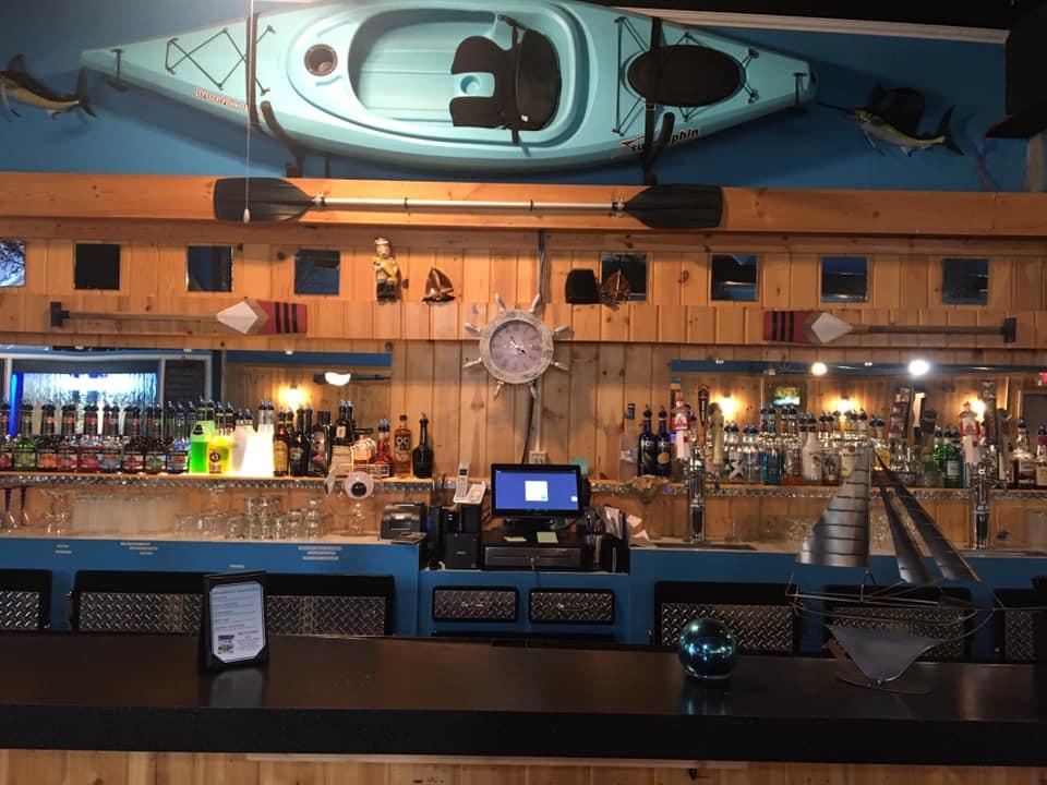 WhiteCaps Restaurant and Bar | restaurant | 3046 M-32, Alpena, MI 49707, USA | 9893401706 OR +1 989-340-1706