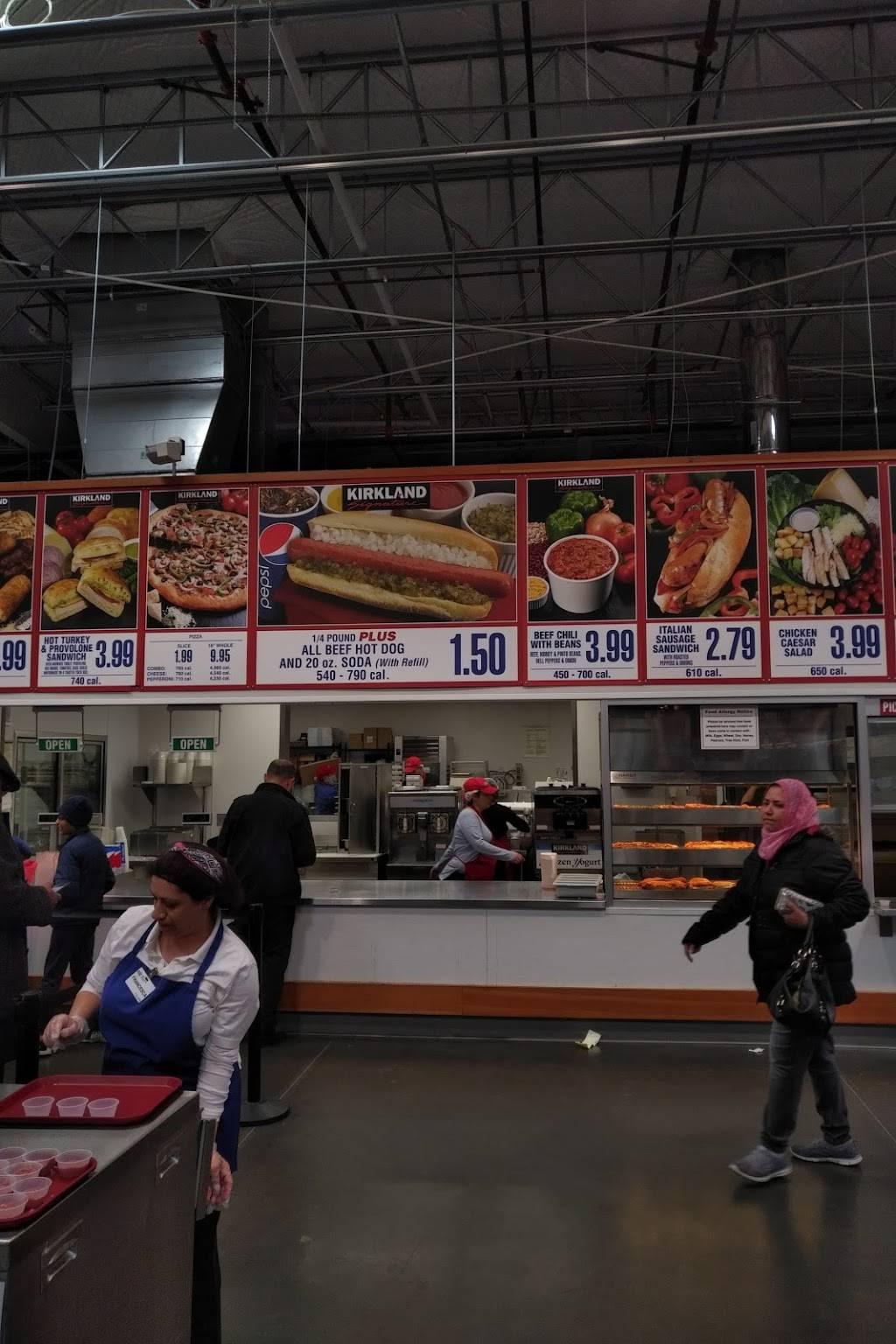 Costco Food Court   meal takeaway   2 Teterboro Landing Drive, Teterboro, NJ 07608, USA