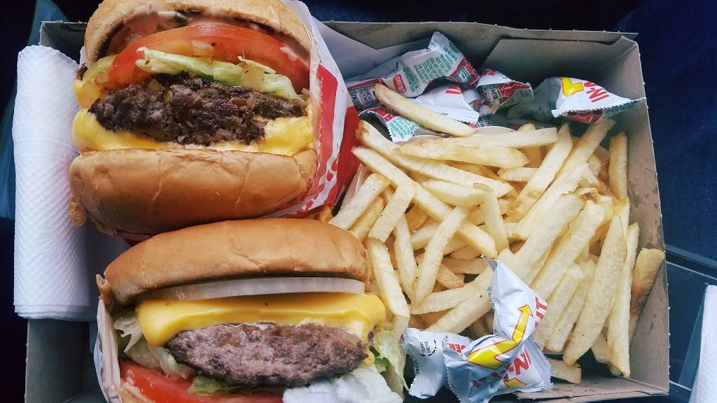 In-N-Out Burger   restaurant   15610 W San Bernardino Rd, West Covina, CA 91790, USA   8007861000 OR +1 800-786-1000