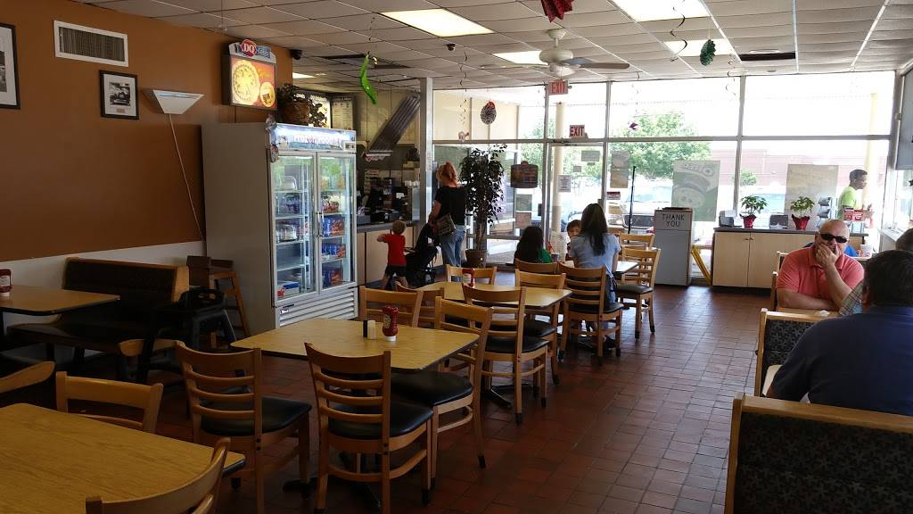Dairy Queen Store | restaurant | 1014 E Broad St, Mansfield, TX 76063, USA | 8174734941 OR +1 817-473-4941