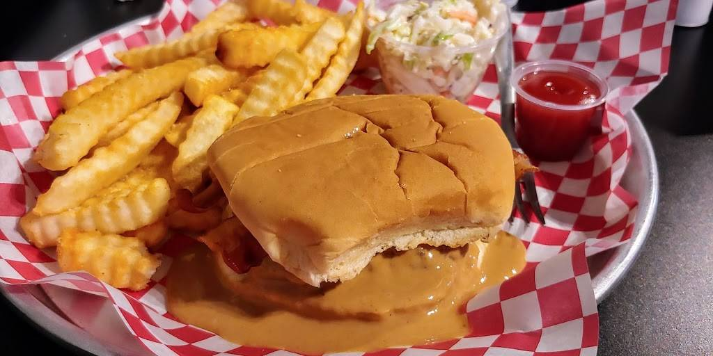Iconic Burger | restaurant | 12 N McIntosh St, Elberton, GA 30635, USA | 7625330957 OR +1 762-533-0957