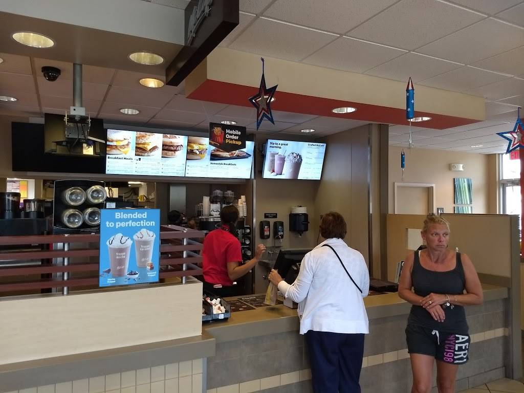 McDonalds | cafe | 5616 E Market St, Snow Hill, MD 21863, USA | 4106325460 OR +1 410-632-5460