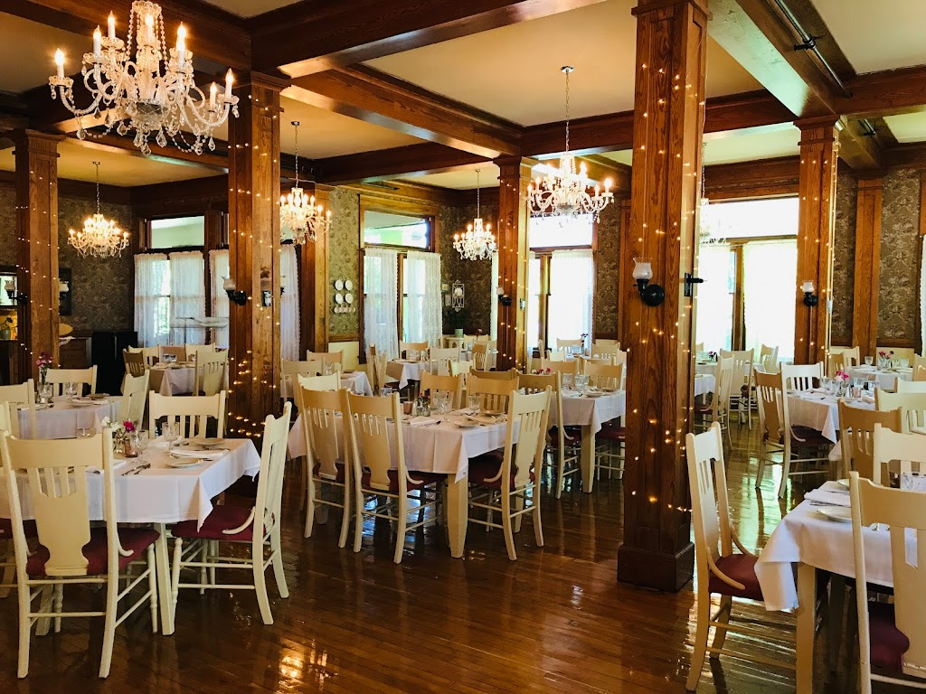 1911 Restaurant   restaurant   1549 Glendale Ave, Petoskey, MI 49770, USA   2313472410 OR +1 231-347-2410