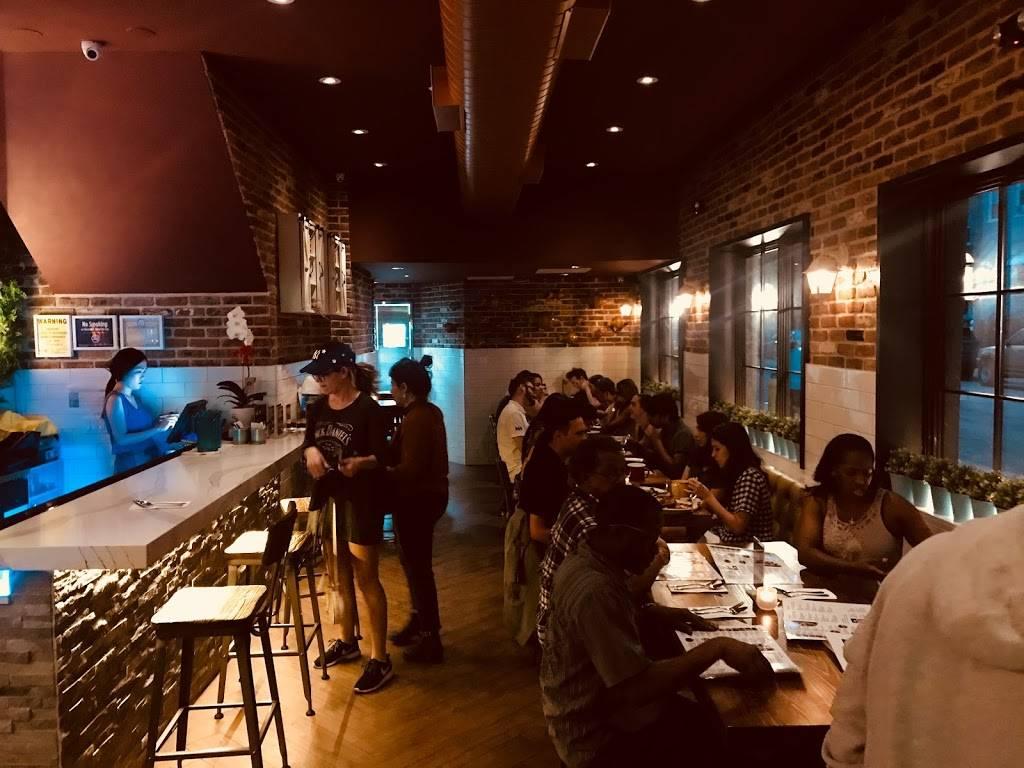 Klom Klorm | restaurant | 181 Wyckoff Ave, Brooklyn, NY 11237, USA | 7184899188 OR +1 718-489-9188