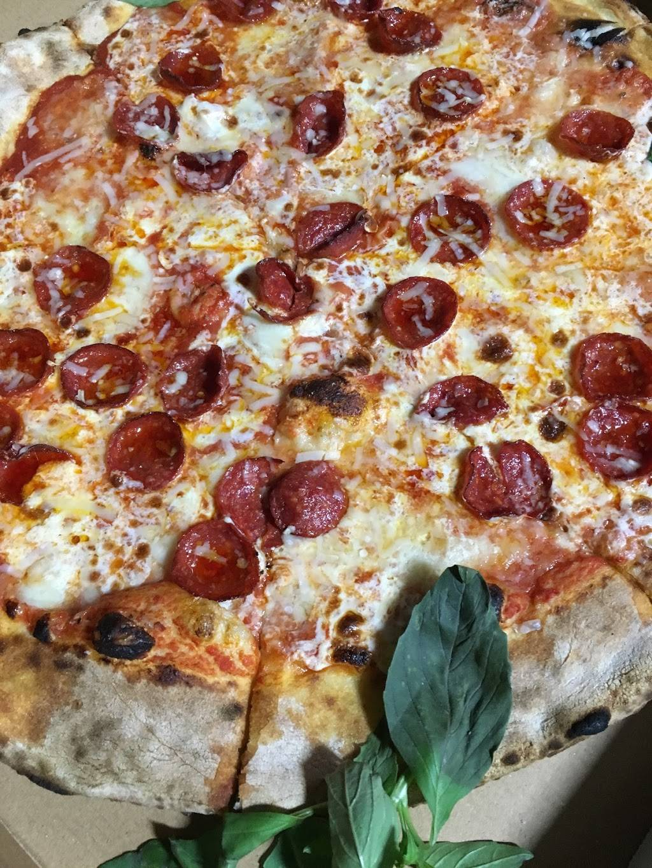 Lucali | restaurant | 575 Henry St, Brooklyn, NY 11231, USA | 7188584086 OR +1 718-858-4086