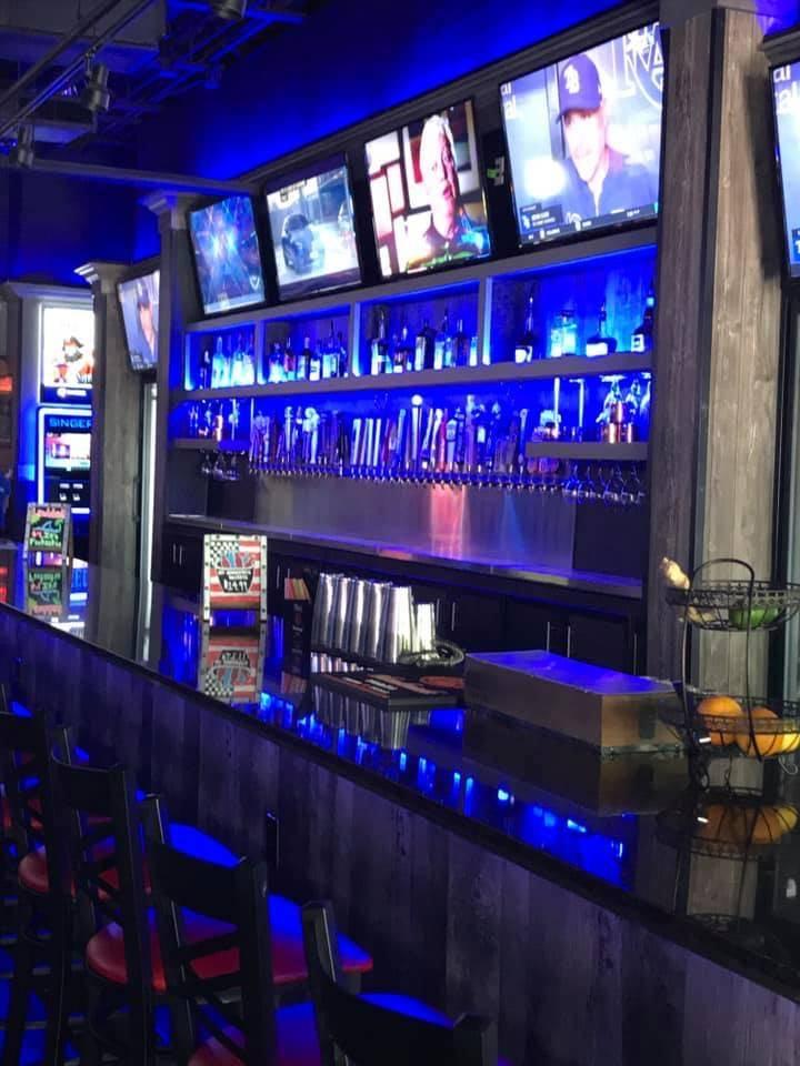 Apps & Tapps | restaurant | 10700 FL-54 Suite 101, New Port Richey, FL 34655, USA | 7272617444 OR +1 727-261-7444