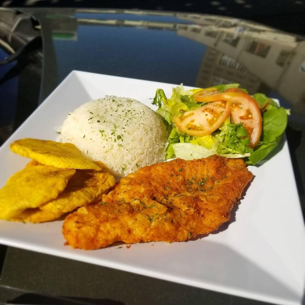 Carro Cafe | restaurant | 3472 Fulton St, Brooklyn, NY 11208, USA | 7183489406 OR +1 718-348-9406