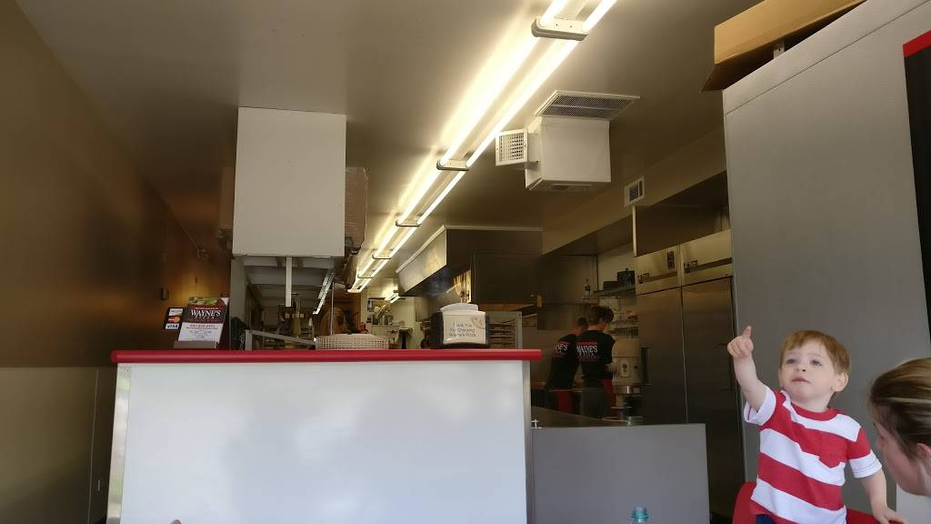 Waynes Pizza   restaurant   1618 W Northwest Hwy, Arlington Heights, IL 60004, USA   8472552441 OR +1 847-255-2441