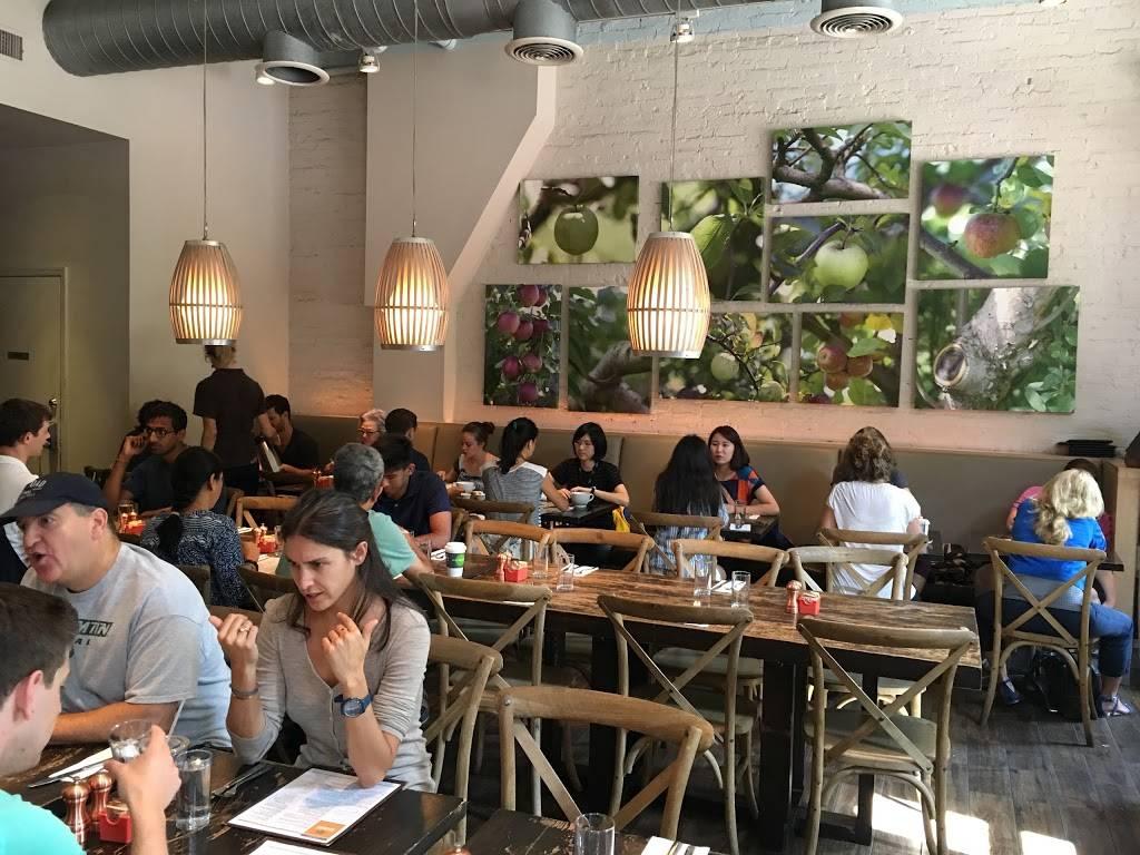 Community Food & Juice | restaurant | 2893 Broadway, New York, NY 10025, USA | 2126652800 OR +1 212-665-2800