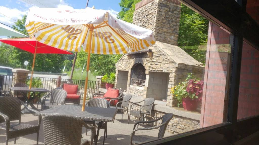 Gators Grille   restaurant   3410 Saxonburg Blvd, Pittsburgh, PA 15238, USA   4127674110 OR +1 412-767-4110