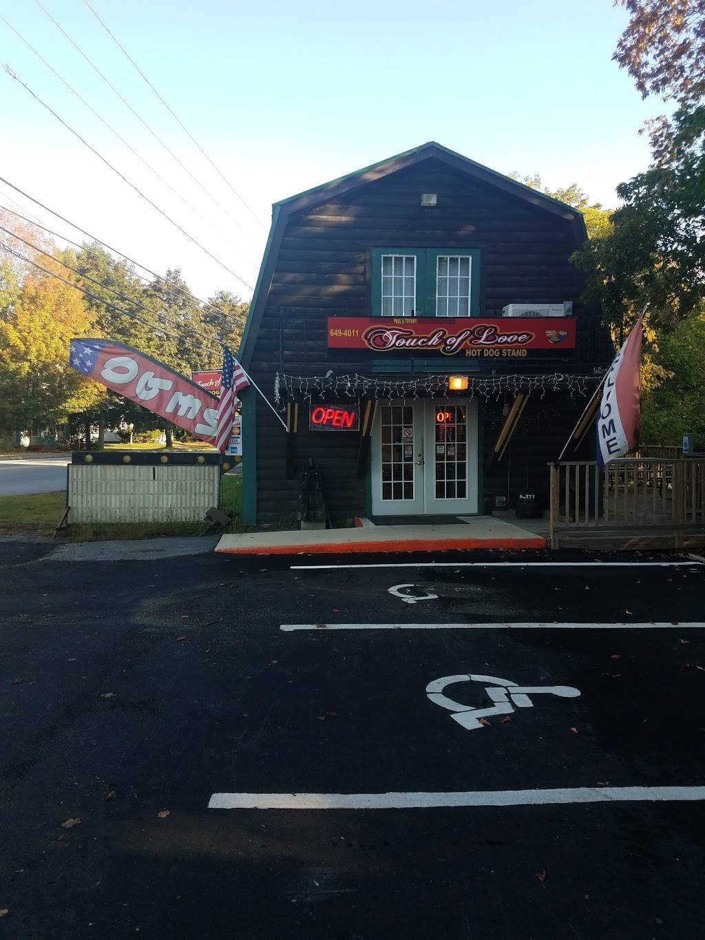 Touch of Love | restaurant | 222-248 Upper Main St, Fairfield, ME 04937, USA | 2076494011 OR +1 207-649-4011